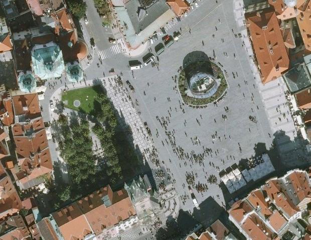Pochod zen-buddhistů na staroměstském náměstí