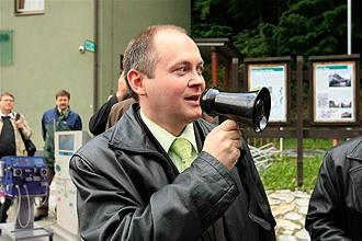 Hejtman Hašek osobně přímo v ohrožené oblasti svolává postižené občany.