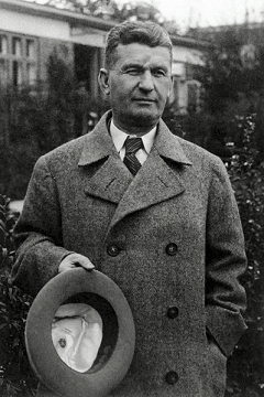 Zlínský patriot Tomáš Baťa šil boty pro dolních deset milionů.