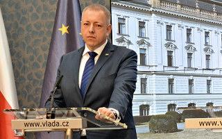 Ministr Chovanec uklidnil veřejnost, že pachatel masakru v Uherském Brodě nepatřil do početné skupiny obchodníků, kteří nemají peníze na nový automatizovaný dveřní systém od firmy Kapsch.