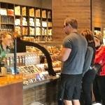 Konec front v obchodech. Novela zákona ukládá povinnost pouštět zákazníky dovnitř po jednom